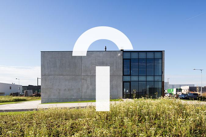 Construction bâtiment entrepôt et bureaux Provera par RG architectes